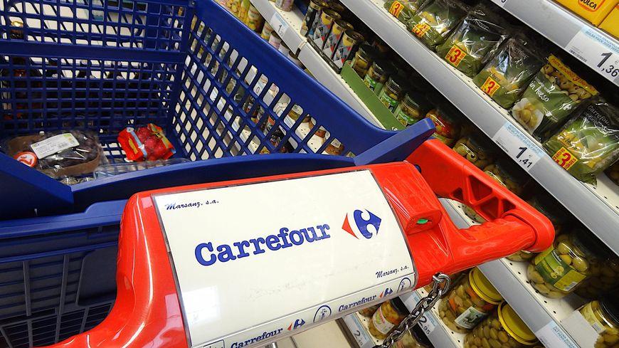 51fb5b6967e Carrefour   jusqu à 3.000 départs dans le cadre d une rupture ...