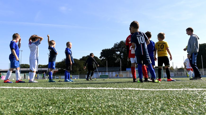Près de 1300 bénévoles des clubs de foot landais seraient concernés.