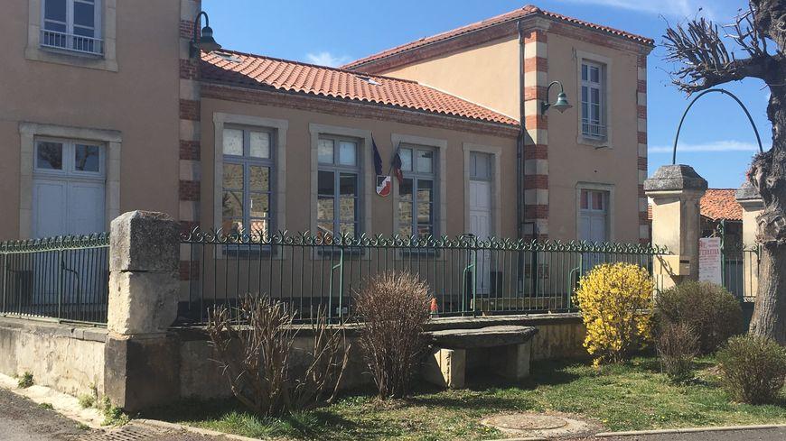 L'école de Saint-Beauzire