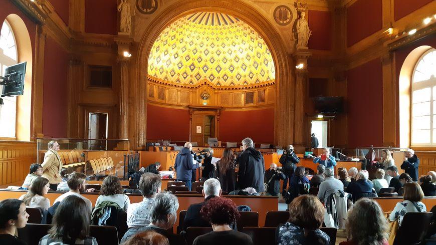 La salle d'audience de la cour d'assises de la Haute-Garonne pour le procès de Laurent Dejean