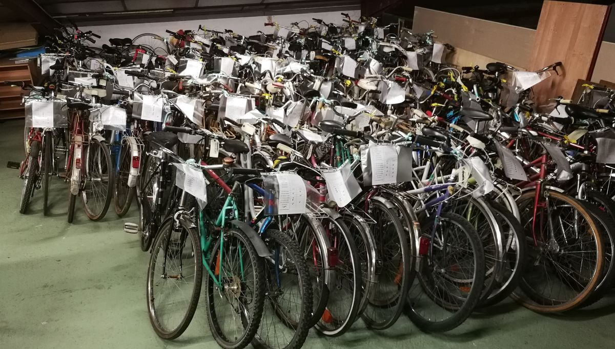 Abri Vélo Pas Cher tours: une vente exceptionnelle de 100 vélos d'occasion à 10