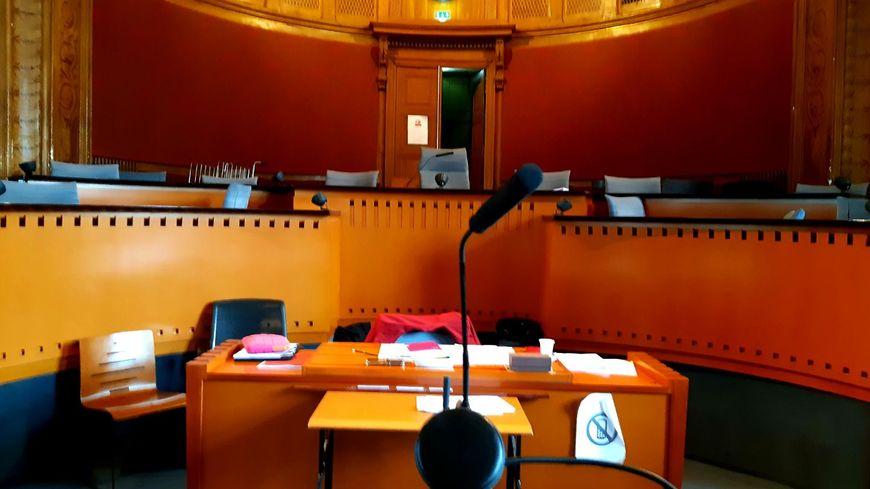 Plus de 70 témoins doivent se succéder à la barre jusqu'à la semaine prochaine.