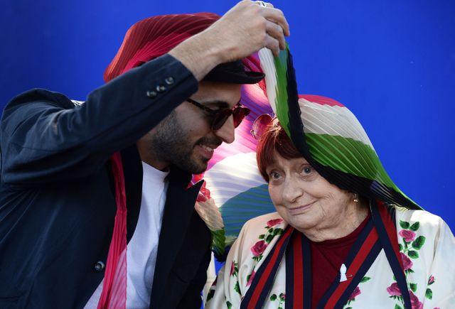 Avec le street-artiste JR, Agnès Varda a réalisé le documentaire Visages, villages, nommé aux Césars.