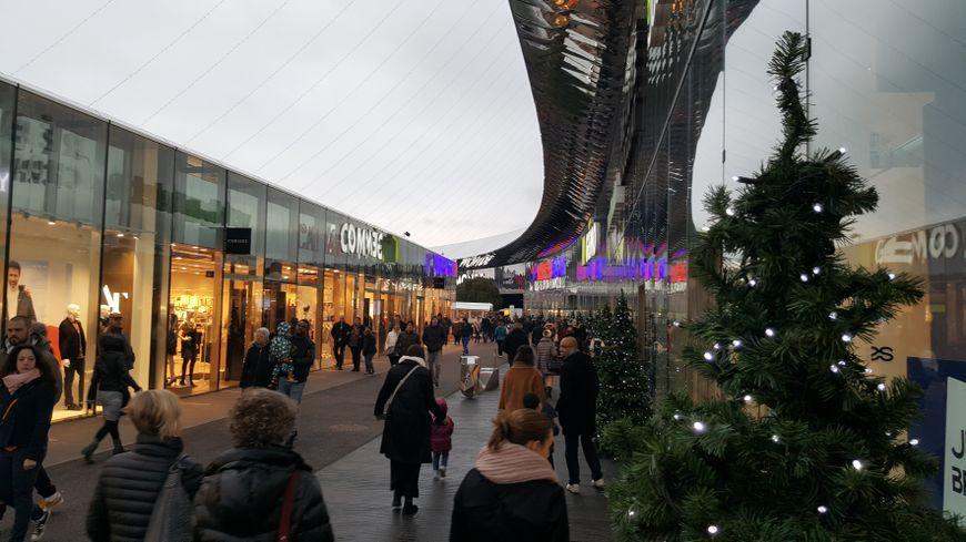 Le centre commercial Waves a ouvert ses portes à Actisud en 2014