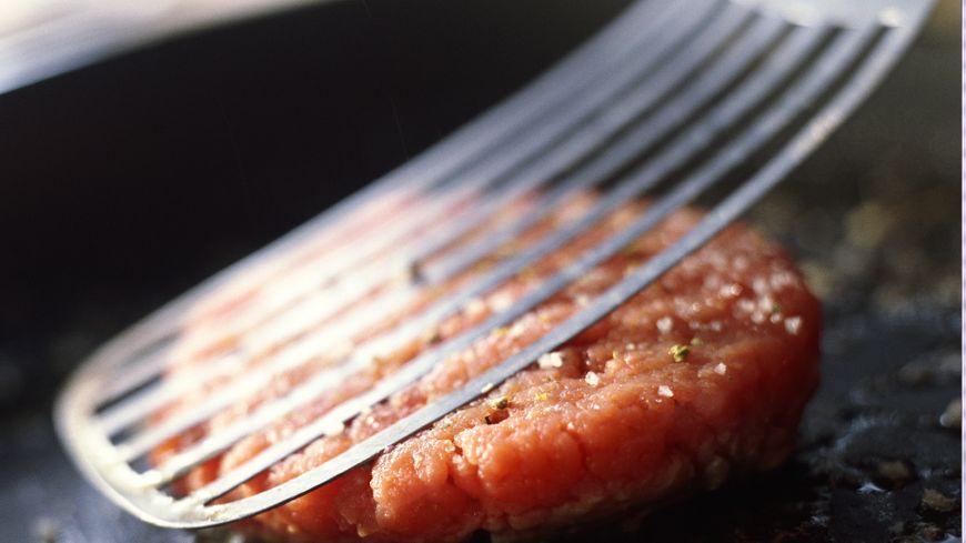 La chaleur tue la bactérie Eschérichia Coli (E.coli), d'où l'importance de cuire les steaks à coeur