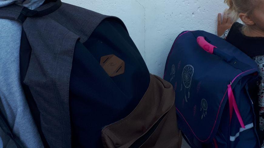 Les cartables toujours lourds à porter pour les élèves du primaire et du collége