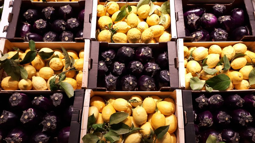 """80% de bio, du local autant que possible, mais pas d'extrêmisme. """"Ce sera au collectif de décider"""" quoi mettre dans le supermarché, promet l'une des initiatrices du projet, Karine Gillet."""