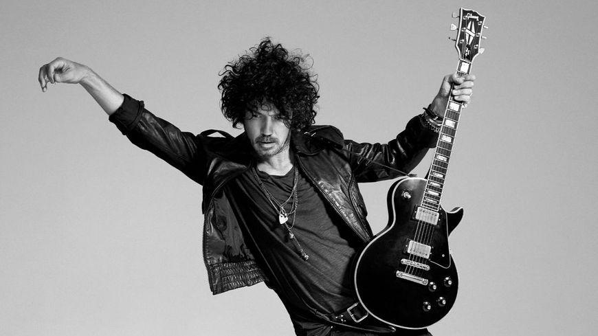Yarol Poupaud, guitariste de Johnny et de FFF sort son premier album solo