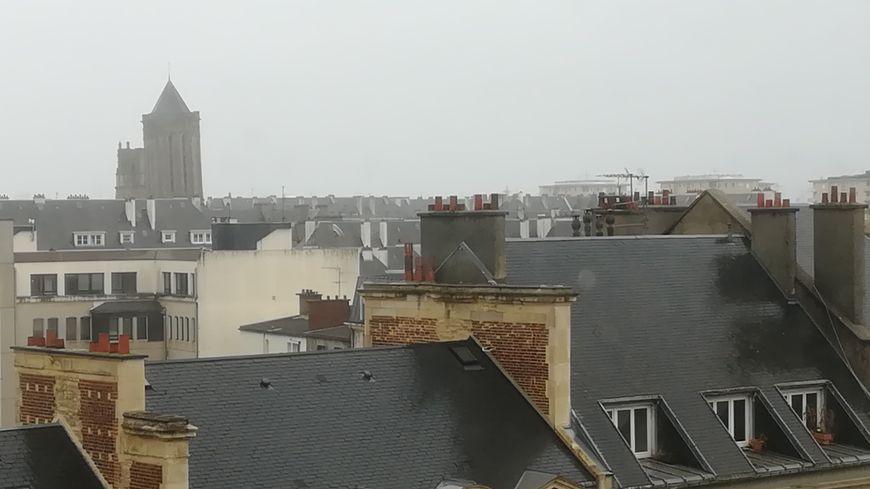 Plus de 60% de la population de la Normandie est dépendante de la réception Hertzienne et de la bonne vieille antenne râteau