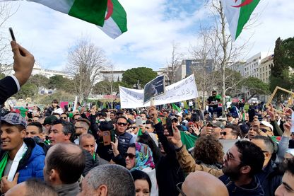 À Marseille on manifeste pour l'Algérie, comme ici dimanche, mais en se posant beaucoup de questions