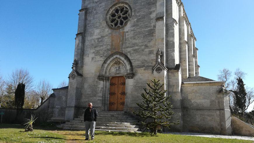 Le père Emerson, curé de la paroisse St-Vincent en Champagne berrichonne
