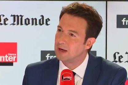 Guillaume Peltier sur le plateau de Questions politiques