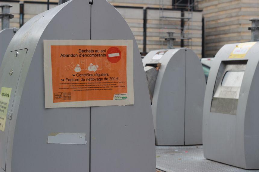 Des factures de nettoyage sont envoyées aux propriétaires identifiés après ouverture des sacs