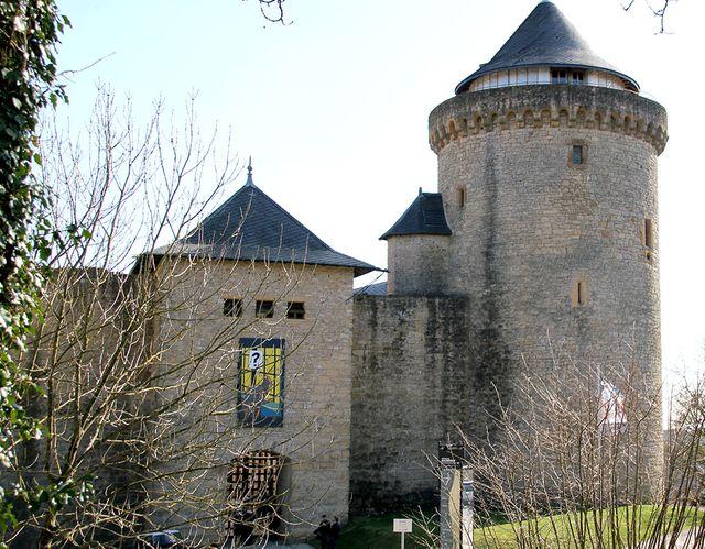 """Entrée du Château de Malbrouck pendant l'exposition """"Hergé, une vie, une oeuvre"""""""