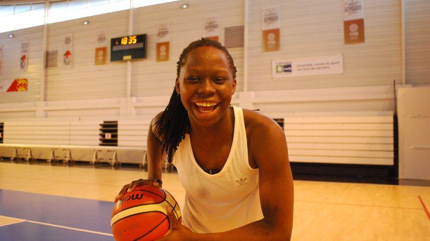 Vaciana Gomis, jeune basketteuse de l'USO Mondeville