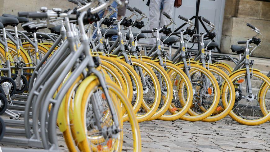 Peugeot s'engage à livrer 50 vélos à assistance électrique à la ville de Bordeaux.
