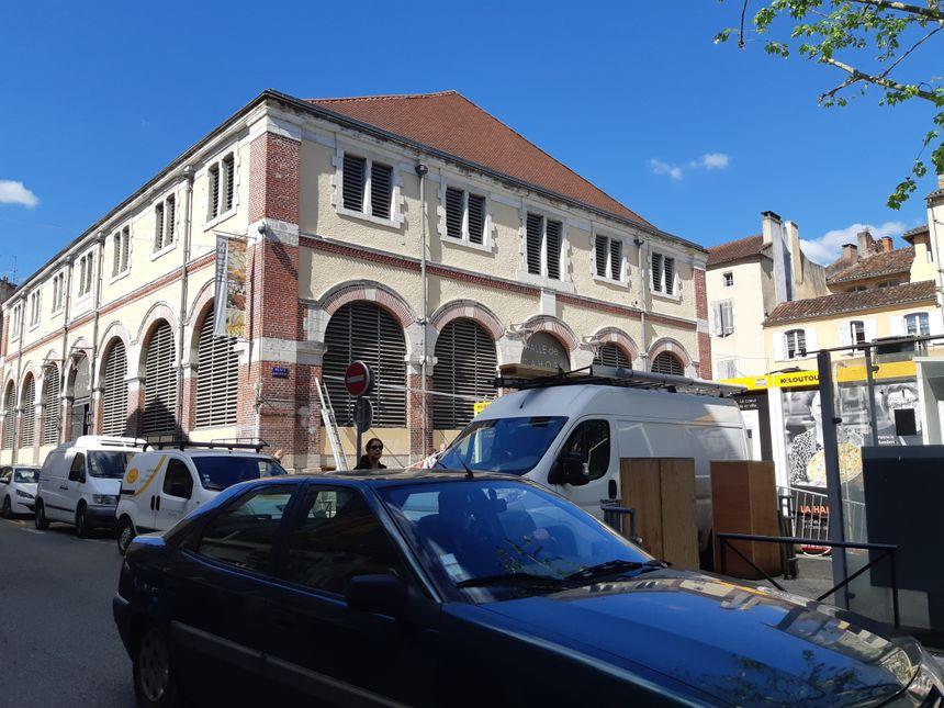Les travaux de réaménagement des halles de Cahors ont débuté ce 29 avril.