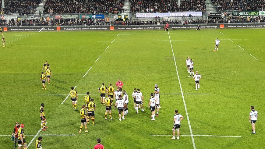 """Brive aplatit huit essais contre Carcassonne et s""""impose 54-17"""