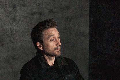 """Joël Pommerat, """"écrivain de spectacle"""", auteur et metteur en scène."""