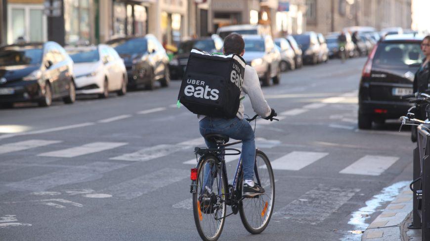 Vous verrez bientôt les livreurs Uber Eats dans les rues de Périgueux et Bergerac