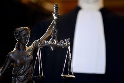 Stress permanent, nuits blanches, sexisme ambiant : de nombreuses avocates tournent le dos à la profession.