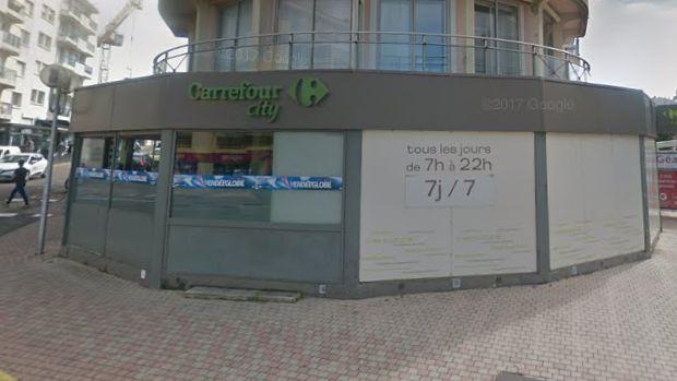 Les faits se sont déroulés au Carrefour City du boulevard Aristide Briand, dimanche matin.