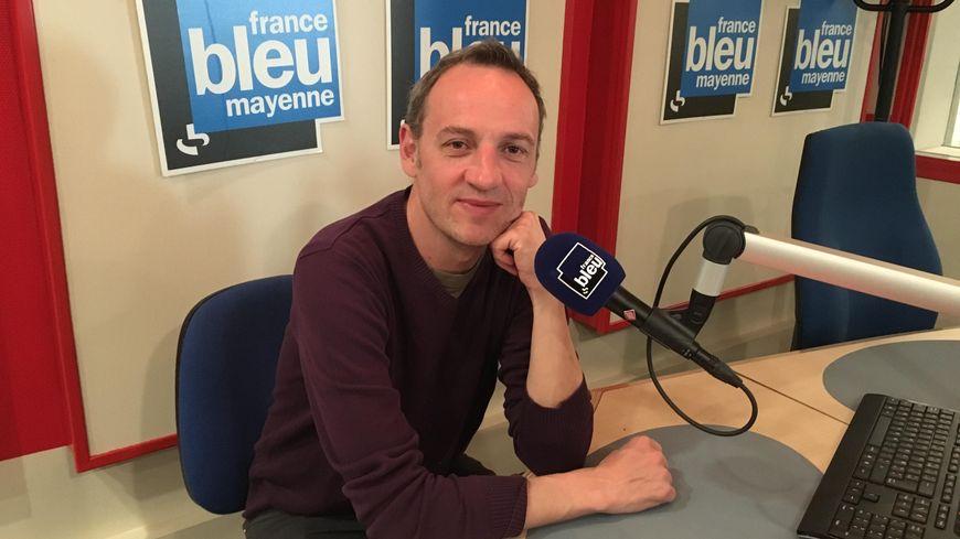 """François Begaudeau sur France Bleu Mayenne pour parler d'""""Autonomes"""", son nouveau-film documentaire tourné en Mayenne, en salles en 2020."""