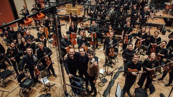 François-Xavier Roth, Rone et Romain Allender lors de la session d'enregistrement