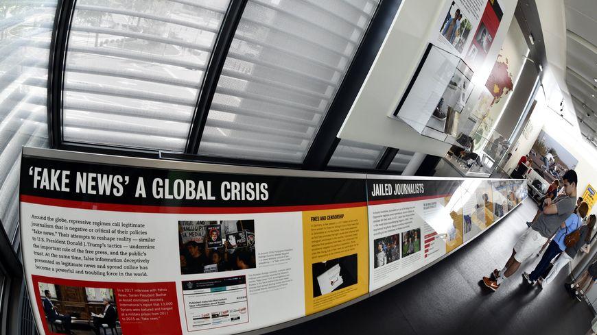 """Le traitement des """"Fake News"""" dans un musée interactif américain consacré à l'information, à Washington."""