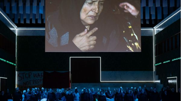 La mise en scène de Nabucco à l'Opéra de Hambourg par Kirill Serebrennikov