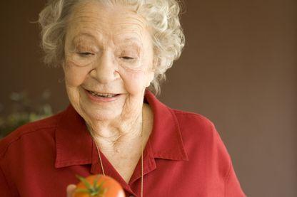 Introduire une tomate dans un service de gériatrie a suffit à recréer du lien entre les patients
