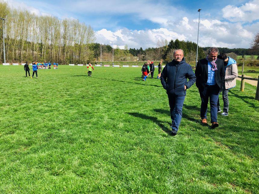 Jacques Brunel a assisté à l'entraînement des petits rugbymen.