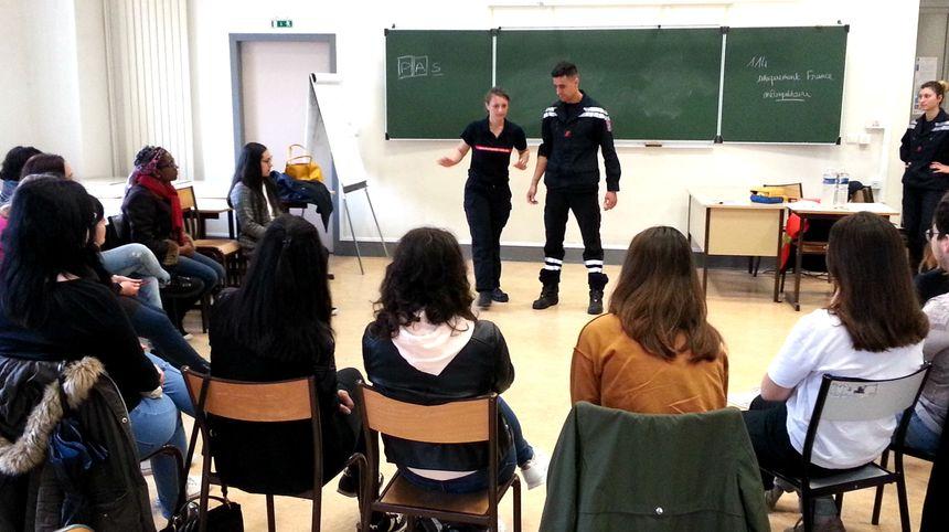 Les pompiers de Vaucluse forment les étudiants de l'université d'Avignon
