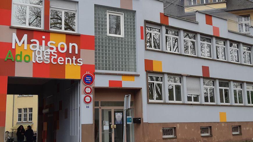 Strasbourg Une Quarantaine De Jeunes Radicalises Pris En Charge Par La Maison Des Adolescents Depuis 2015