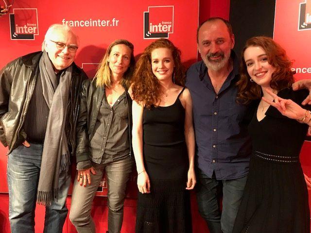 """""""Vous Les Femme"""", de g. à d. : Albert Algoud, Véronique de Viguerie, Camille Berthollet, Daniel Morin, Julie Berthollet"""