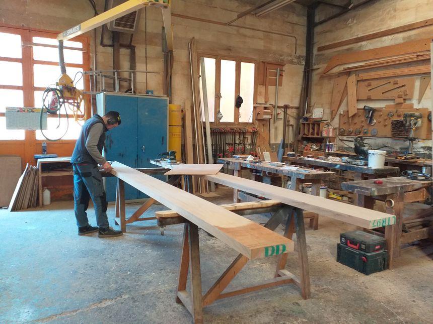 L' atelier de menuiserie de l'entreprise familiale Papeix basée à Isle.