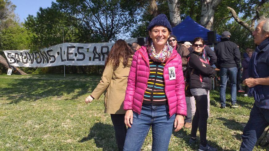 Sylvie Fournier et d'autres membres du collectif SOS Barthelasse ont été reçus à la communauté d'agglomération ce vendredi.