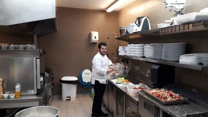 Guillaume Pape dans osn restaurant Brestois, l'Embrun