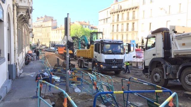 Les travaux sur le Cours Lieutaud à Marseille. Le projet prévoit pour fin 2020 une réduction des voies de circulation et l'installation d'une piste cyclable.