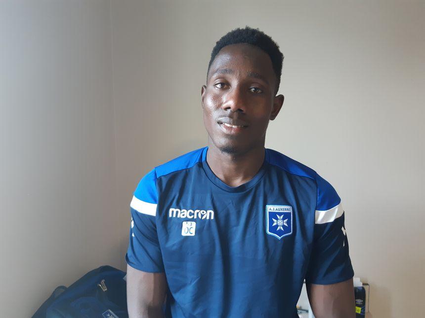 """Ousmane Camara rêve de devenir footballeur professionnel pour """"aider sa famille qui n'a rien"""""""
