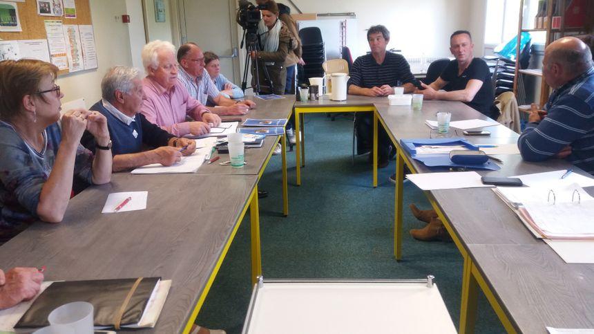 Une dizaine d'agriculteurs s'est réunie à la Maison des Paysans au Mans.