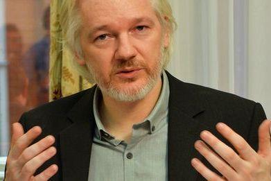 Julian Assange durant une conférence de presse à l'ambassade d'Equateur