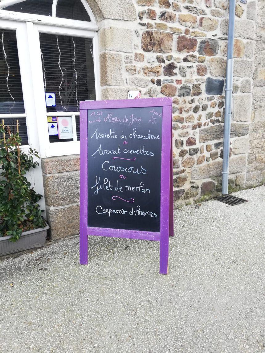 Le menu affiché ce mercredi dans le restaurant le Midi Vin à Broons