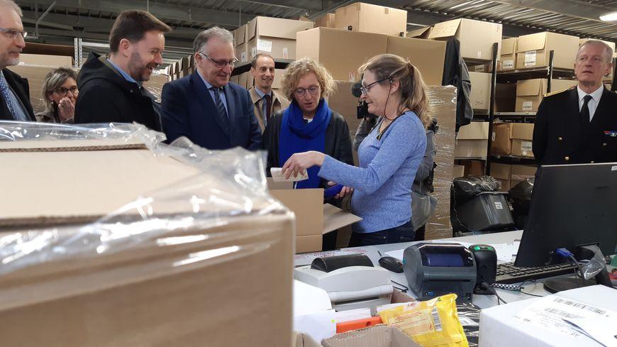 Muriel Pénicaud, la ministre du travail, dans les Landes, visite l'entreprise adaptée FMS à Saint-Geours-de-Maremne
