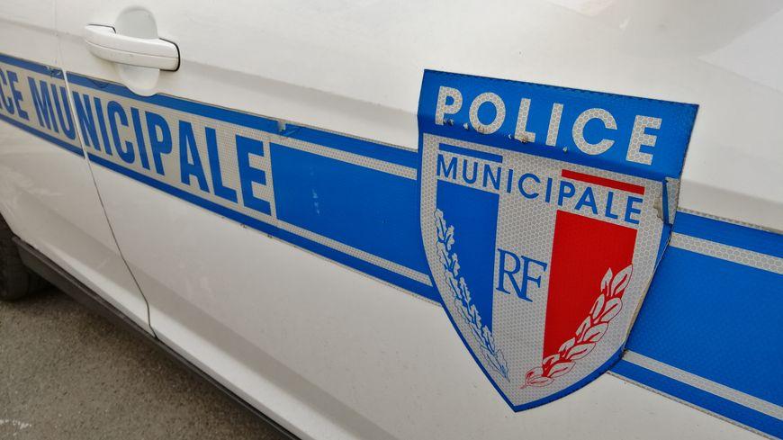 La police municipale est venue constater les faits lundi matin.
