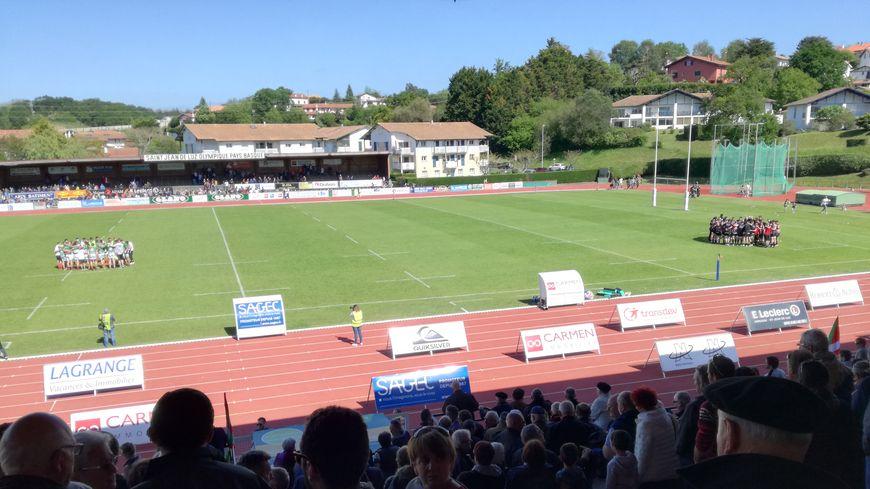 Valence-Romans (noir) remporte à Saint-Jean-de-Luz le quart de finale aller de Fédérale 1