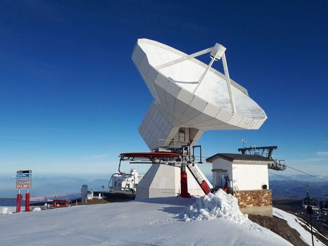 L'antenne 30M de l'IRAM au sommet Pico Velata dans la sierra nevada (Espagne)