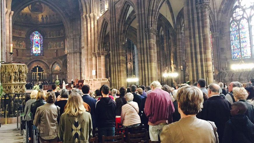 La messe de Pâques dans la cathédrale de Strasbourg