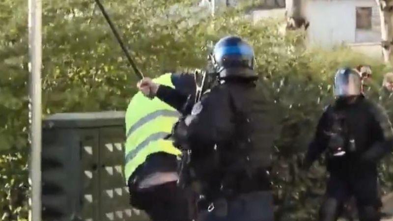 l'IGPN saisie après un coup de matraque asséné par un policier bisontin