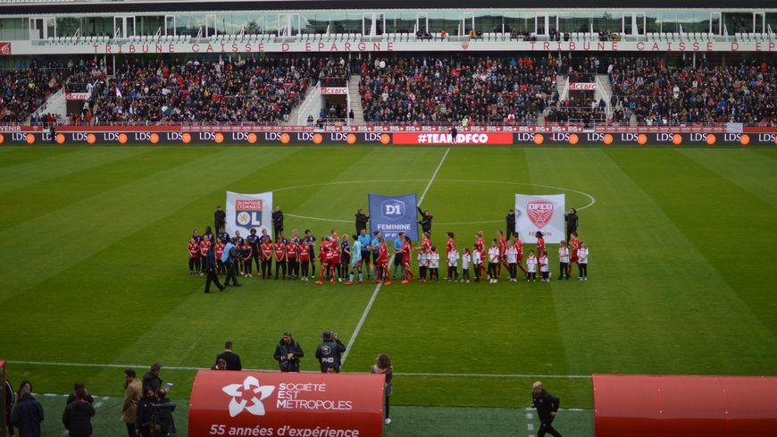 Les lyonnaises ont remporté la rencontre 4-0.